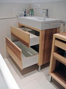 Waschtischunterschrank Schübe mit maximaler Platzausbeute.