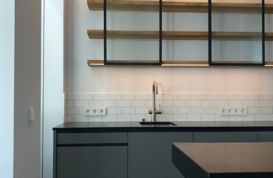 Küche mir Eisen schwarz Details