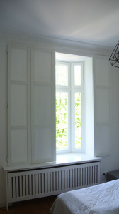 Fenster-Shutter  mit Heizkörperverkleidung